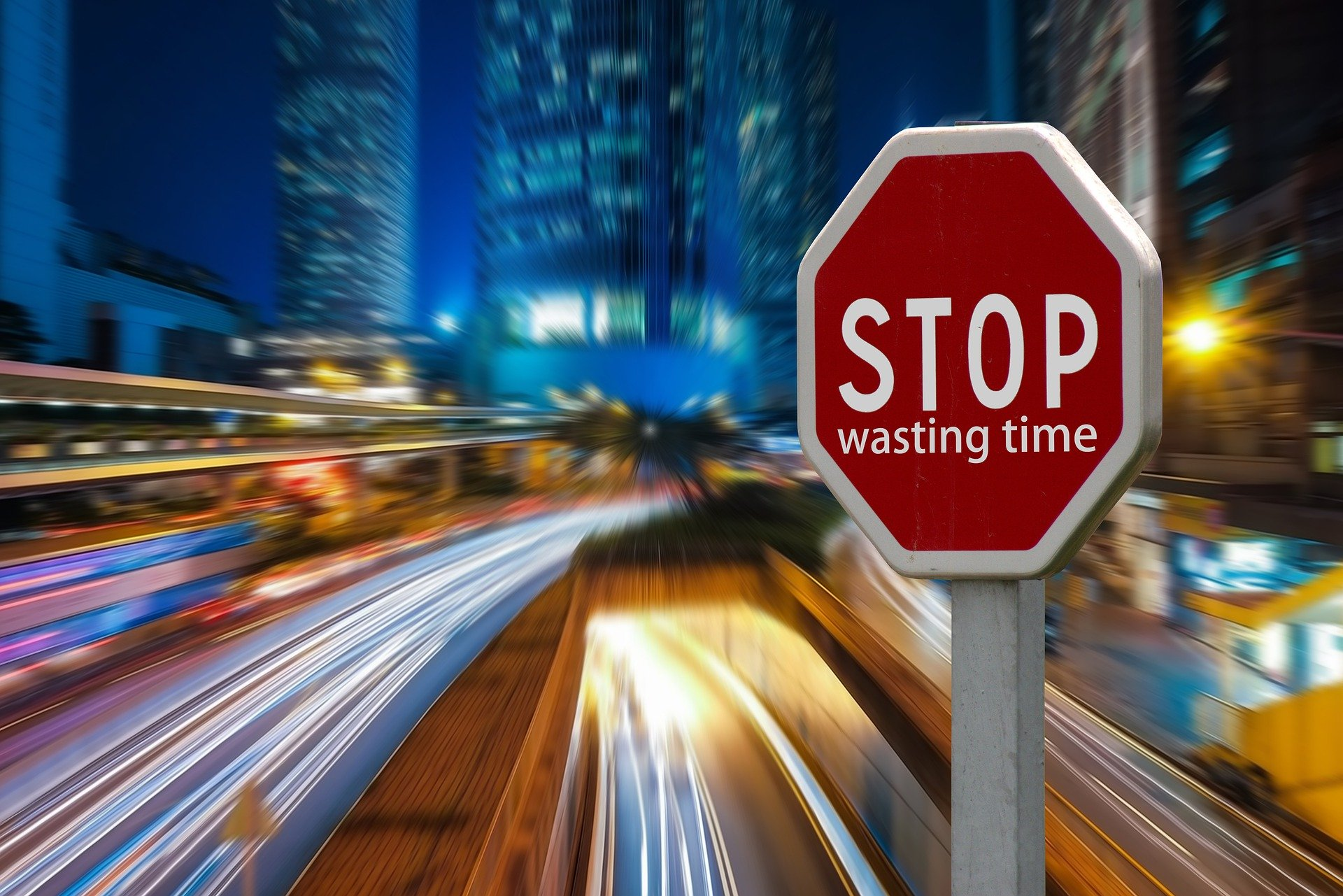 How To De-clutter Your Life. Part 4 – 5 Top Time Wasters & How To Control Them